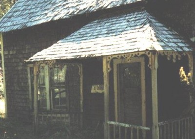 Close up view of Ronning cabin